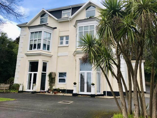 5 Maxstoke Court, Middle Warberry Road, Torquay